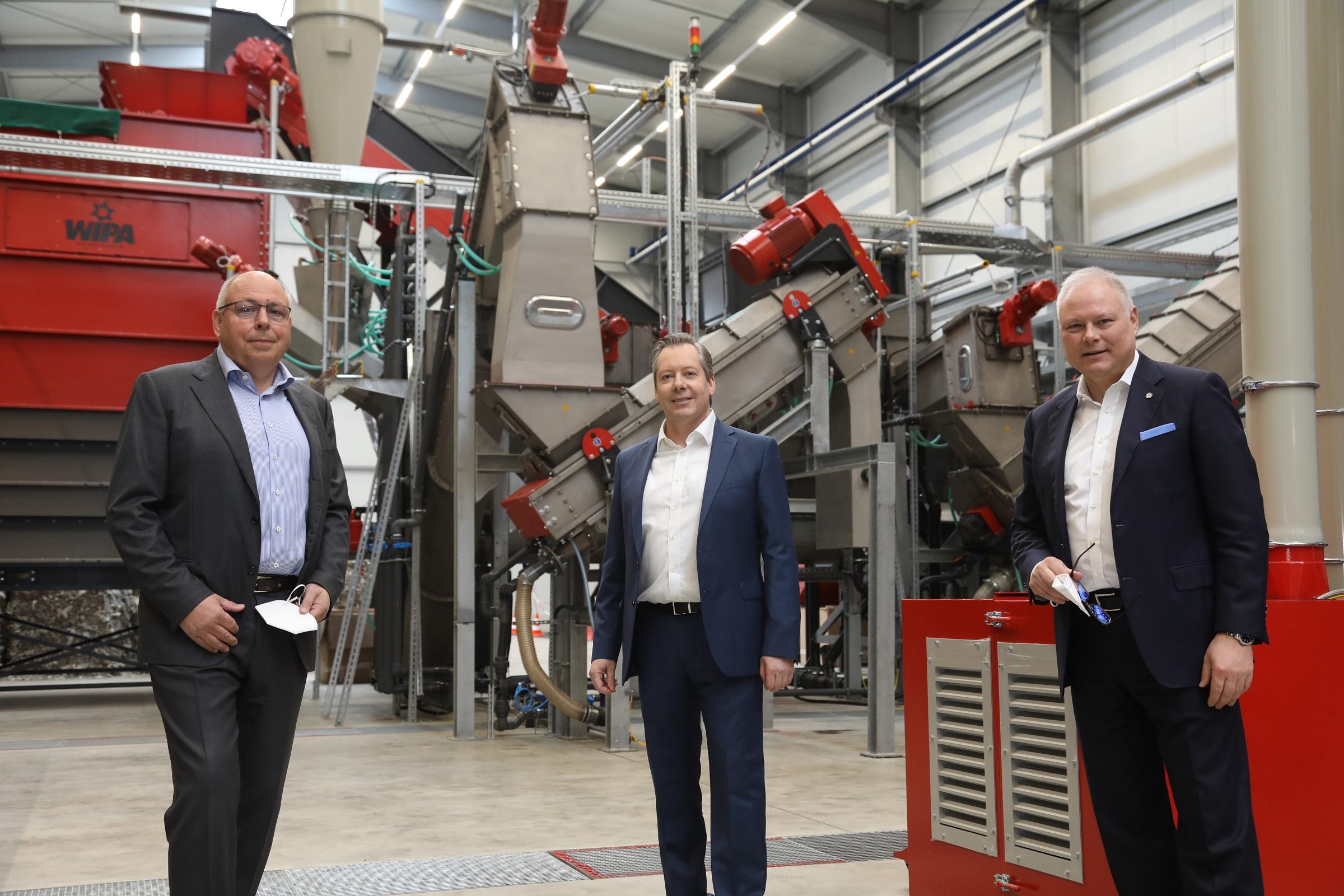 V.l.: Stephen Naumann (Elopak), Robert Kummer (SIG Combibloc) und Stephan Karl (Tetra Pak)